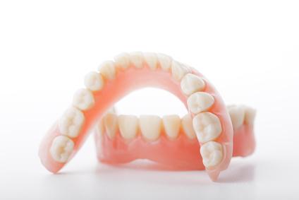 Reinigung der Dritten Zähne - dr le Coutre