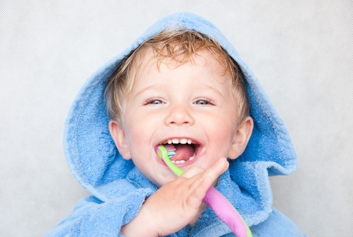Zahnpfelge bei Kindern  - Zahnarzt le Coutre